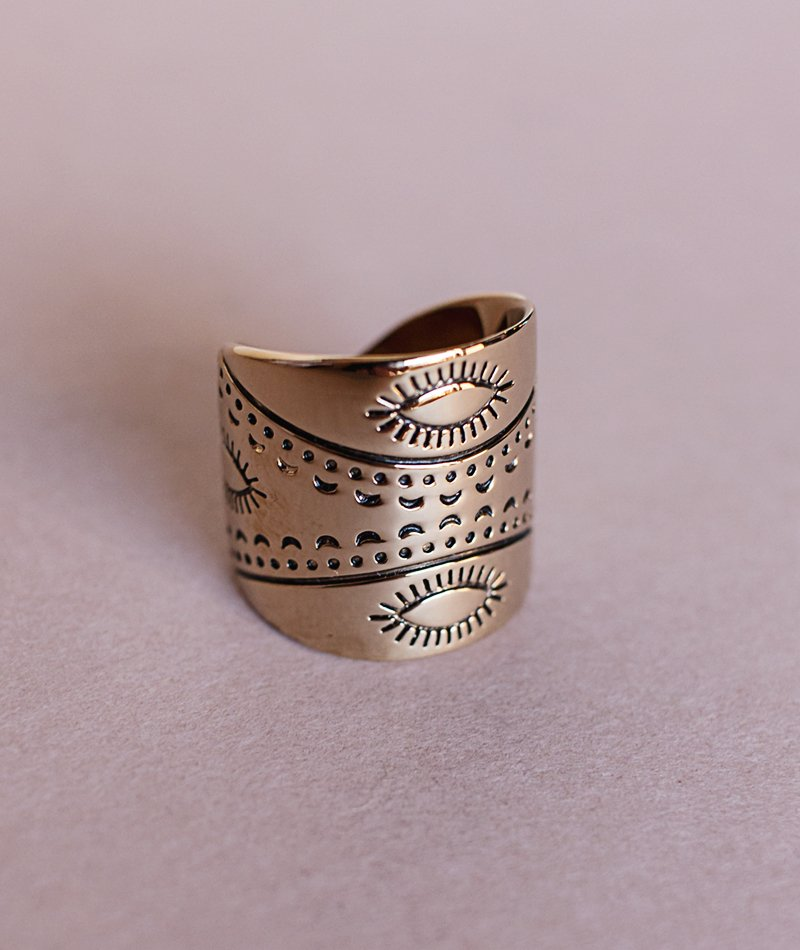 Kynthia Etched Ring